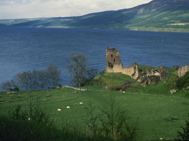 Travi UK Loch Ness