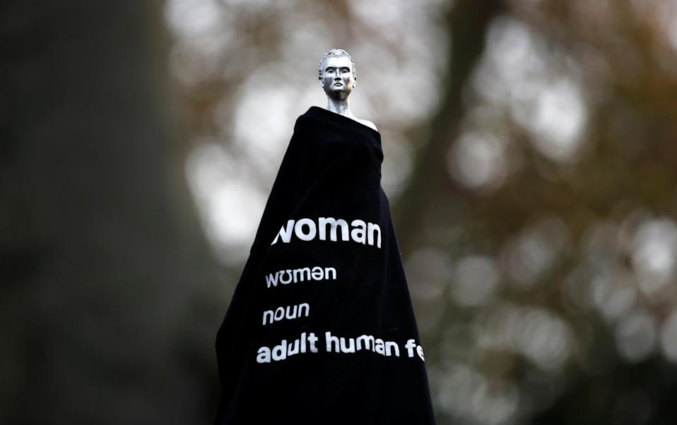 The Mary Wollstonecraft statue by artist Maggi Hambling was seen covered with a T-shirt by those protesting the feminist icon's nudity. (Photo: REUTERS/Paul Childs)
