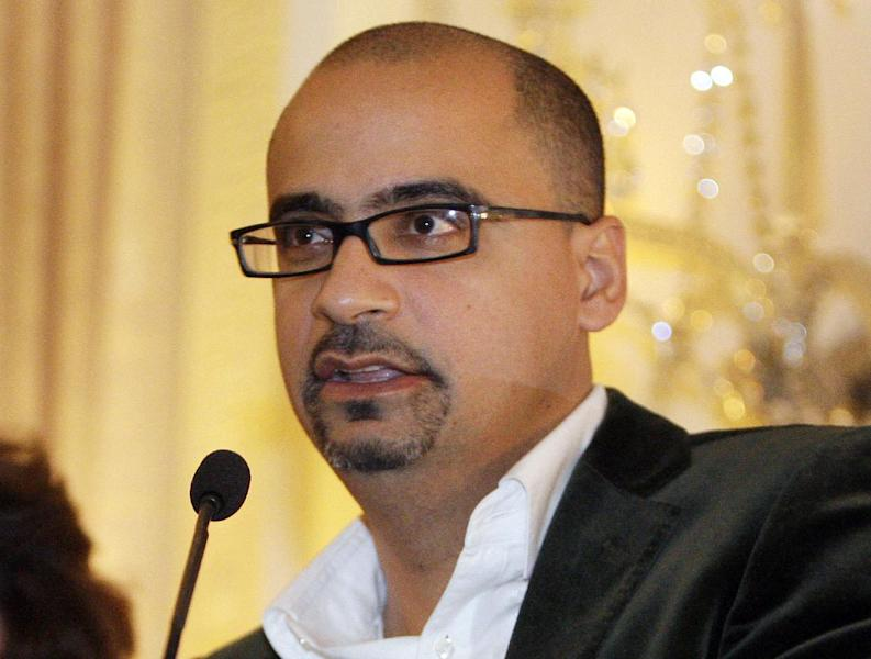 "FILE - This Oct. 17, 2008 file photo shows novelist Junot Diaz during a book presentation in New York. Diaz and Louise Erdrich are among the finalists for a literary prize chosen by the American Library Association, announced Monday, April 22, 2013. Diaz's ""This Is How You Lose Her"" and Erdrich's ""The Round House"" are nominees for the Andrew Carnegie Medal for Excellence in Fiction. (AP Photo/Julie Jacobson, file)"