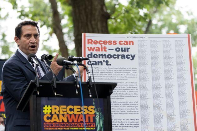 Texas state Rep. Trey Martinez Fischer speaks during a rally about voting rights and ending the filibuster near the U.S. Capitol on Aug. 3, 2021. (Photo: Drew Angerer via Getty Images)