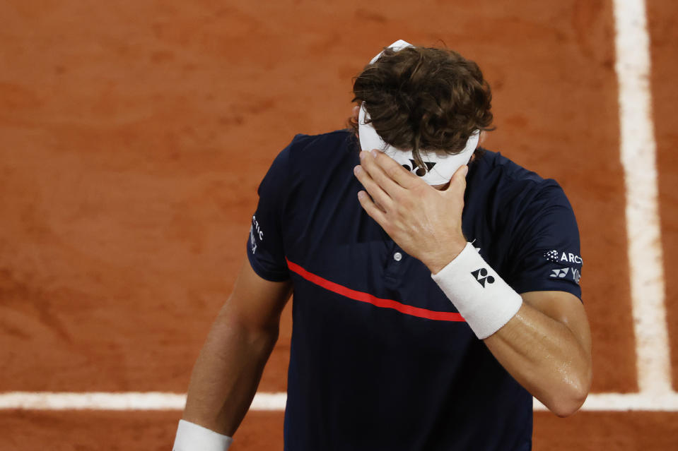 PARIS, FRANCE - OCTOBER 02: Casper Ruud of Norway reacts during his Men's Singles third round match against Dominic Thiem of Austria on day six of the 2020 French Open at Roland Garros on October 02, 2020 in Paris, France. (Photo by Clive Brunskill/Getty Images)