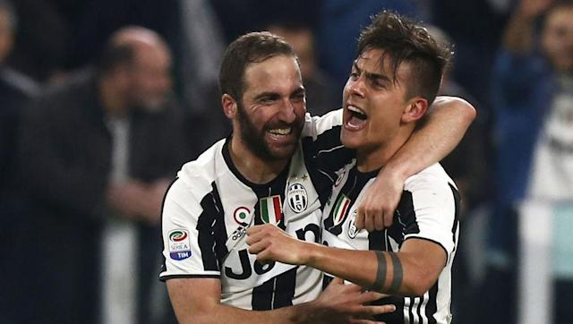 """nder Juventus centre-back Giorgio Chiellini is probably delighted to now be on the same team as Bianconeri forwards Gonzalo Higuain, Paulo Dybala and Mario Mandzukic after describing the strength of each player from previous experiences of facing them. Speaking about his colleagues to France Football, Chiellini explained, """"I had the chance to mark all three of them before they came to Turin."""" The Italian international said of Higuain, """"Gonzalo is a striker with incredible strength in his legs..."""