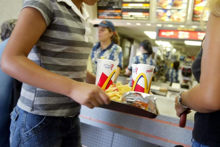 "The widespread availability of fast food from restaurant chains like McDonald's has been cited as worsening the U.S. obesity crisis. <span class=""copyright"">(Joe Raedle / Getty Images)</span>"