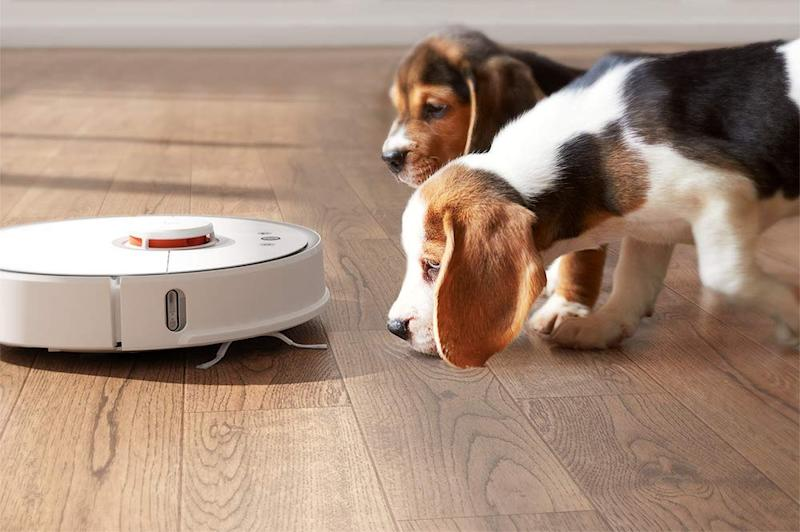 Save $130 on the Roborock robot vacuum and mop. (Photo: Amazon)
