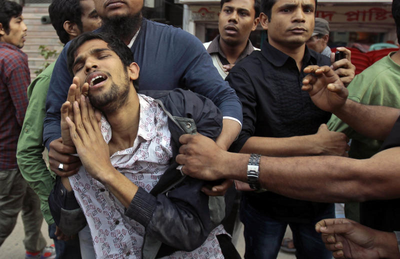 3 die in Bangladesh opposition clashes with police