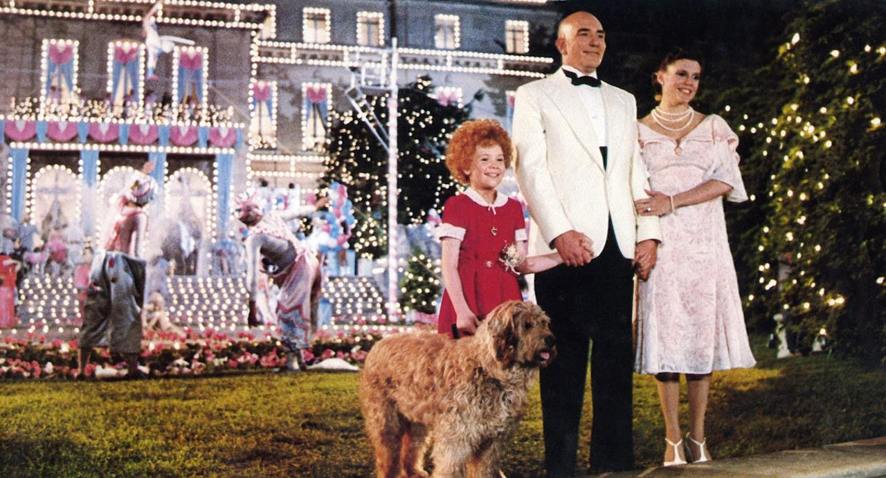 """<p>When little orphan Annie is rescued on the patriotic holiday, Mr. Warbucks celebrates the only way he knows how - with a huge fireworks display.<br></p> <p><a href=""""https://www.popsugar.com/buy?url=https%3A%2F%2Fwww.amazon.com%2FAnnie-Albert-Finney%2Fdp%2FB00196YNWU%2Fref%3Dsr_1_2%3Fcrid%3D1Z1PIPR6Z0J3N%26dchild%3D1%26keywords%3Dannie%26qid%3D1593461401%26s%3Dinstant-video%26sprefix%3DAnnie%252Cinstant-video%252C185%26sr%3D1-2&p_name=Watch%20%3Cstrong%3EAnnie%3C%2Fstrong%3E%20on%20Amazon%20Prime&retailer=amazon.com&evar1=buzz%3Auk&evar9=41809771&evar98=https%3A%2F%2Fwww.popsugar.com%2Fentertainment%2Fphoto-gallery%2F41809771%2Fimage%2F41810092%2FAnnie&list1=movies&prop13=api&pdata=1"""" rel=""""nofollow"""" data-shoppable-link=""""1"""" target=""""_blank"""" class=""""ga-track"""" data-ga-category=""""Related"""" data-ga-label=""""https://www.amazon.com/Annie-Albert-Finney/dp/B00196YNWU/ref=sr_1_2?crid=1Z1PIPR6Z0J3N&amp;dchild=1&amp;keywords=annie&amp;qid=1593461401&amp;s=instant-video&amp;sprefix=Annie%2Cinstant-video%2C185&amp;sr=1-2"""" data-ga-action=""""In-Line Links"""">Watch <strong>Annie</strong> on Amazon Prime</a>. </p>"""