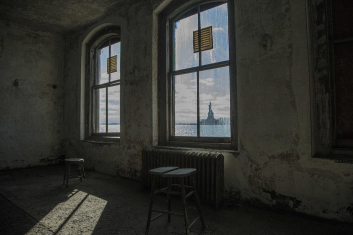 <p>The Statue of Liberty can be seen from wards 31 and 32 on Island Three on Ellis Island. (Photo: Gordon Donovan/Yahoo News) </p>