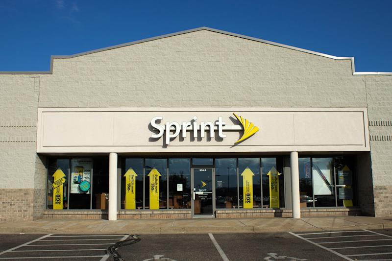 Sprint follows T-Mobile's lead with new unlimited data plan for seniors
