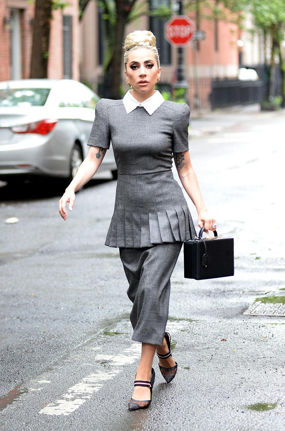 <p>She returned to sophistication that day, providing us with some quite genuine job interview fashion inspo. [Photo: Rex] </p>