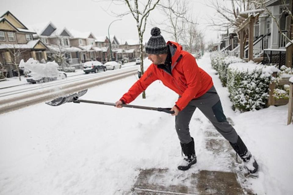 Be aware of your heart while shovelling heavy snow