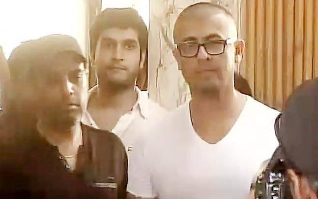 Kolkata cleric on Sonu Nigam's head shaving act: He wanted to get rid of lice