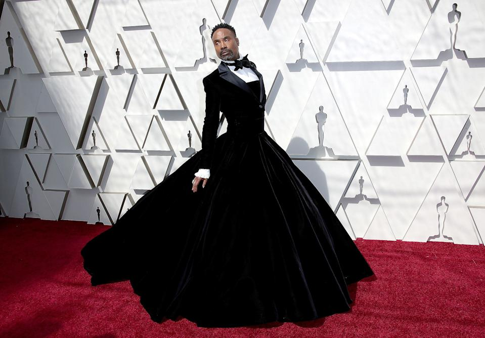 Billy Porter walks the red carpet at the 2019 Oscars. (Photo: Dan MacMedan/Getty Images)
