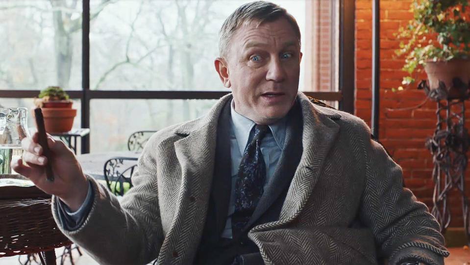 Daniel Craig makes a goofy face in Knives Out