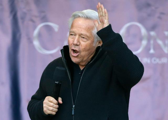 Police in Florida say they have video evidence of Patriots owner Robert Kraft soliciting prostitution at a spa. Kraft's legal team is fighting to have video suppressed. (AP)