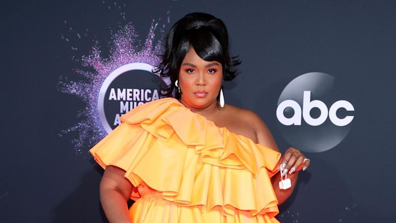 2019 American Music Awards Red Carpet Arrivals: Check Out All the Best Looks!