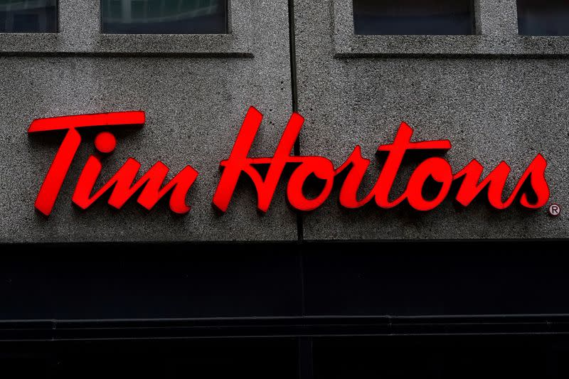Tim Hortons President Alex Macedo to leave next year