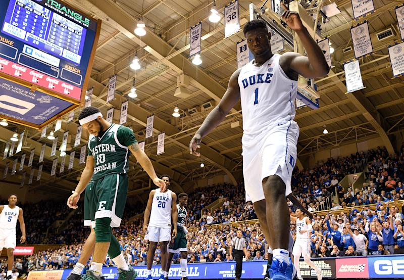Duke's Zion Williamson continues to dunk it all