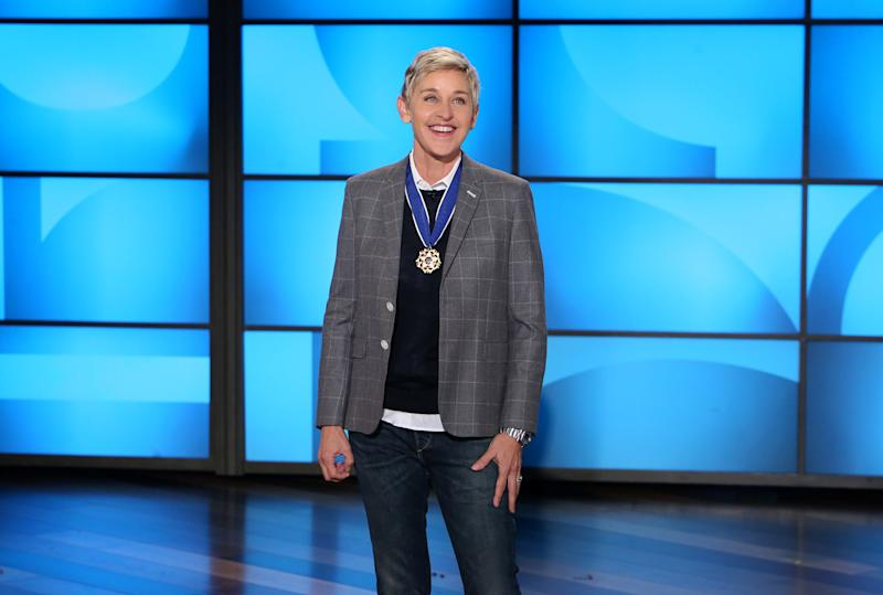 Bruce springsteen gave ellen degeneres a hard time for forgetting her id at the white house - The mobile little house the shortest way to freedom ...