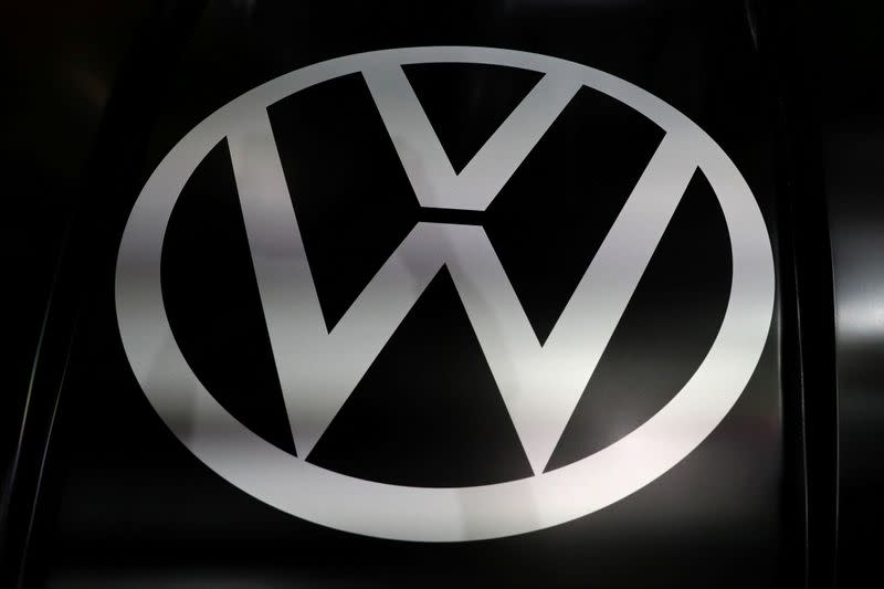 German authorities search Continental, Volkswagen as part of diesel probe