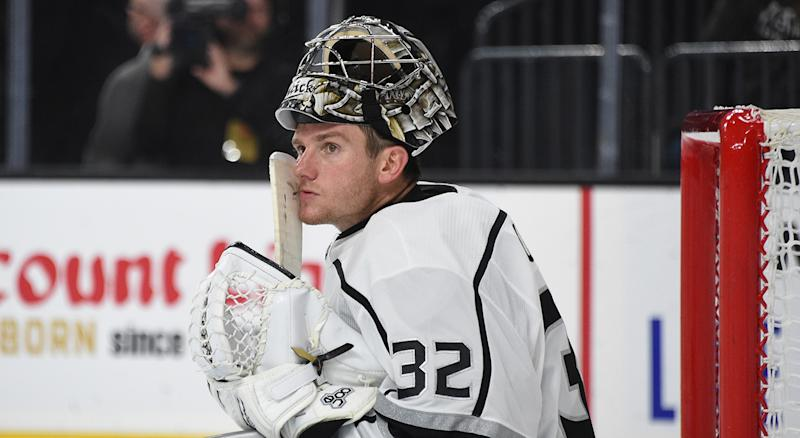LAS VEGAS, NEVADA - SEPTEMBER 27: Jonathan Quick #32 of the Los Angeles Kings sits in net during the third period against the Vegas Golden Knights at T-Mobile Arena on September 27, 2019 in Las Vegas, Nevada. (Photo by David Becker/NHLI via Getty Images)