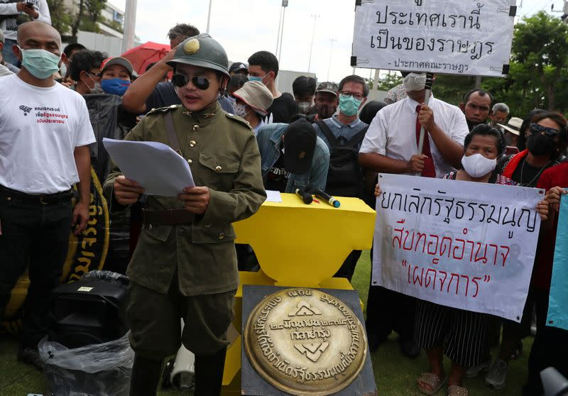 Demonstration to demand for change in the constitution on the 88th anniversary of a revolt that ended absolute monarchy in Bangkok