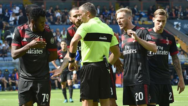 <p>Elsewhere in Serie A, things aren't going quite so swimmingly for AC Milan, with Vincenzo Montella's side already six points off the top thanks to two defeats in six.</p> <br><p>Sampdoria were the conquerors at the weekend, profiting from defensive disorganisation, while it seems Montella doesn't yet know his best starting XI.</p> <br><p>However, even Napoli's loaned out stars seem to be profiting at the moment with Duvan Zapata scoring the first in a 2-0 win at the Stadio Luigi Ferraris, after pouncing on a mistake from his cousin Cristian Zapata.</p> <br><p>It doesn't get any easier for Montella, with Roma, Juventus and of course the Milan derby coming up in the next five domestic fixtures.</p>