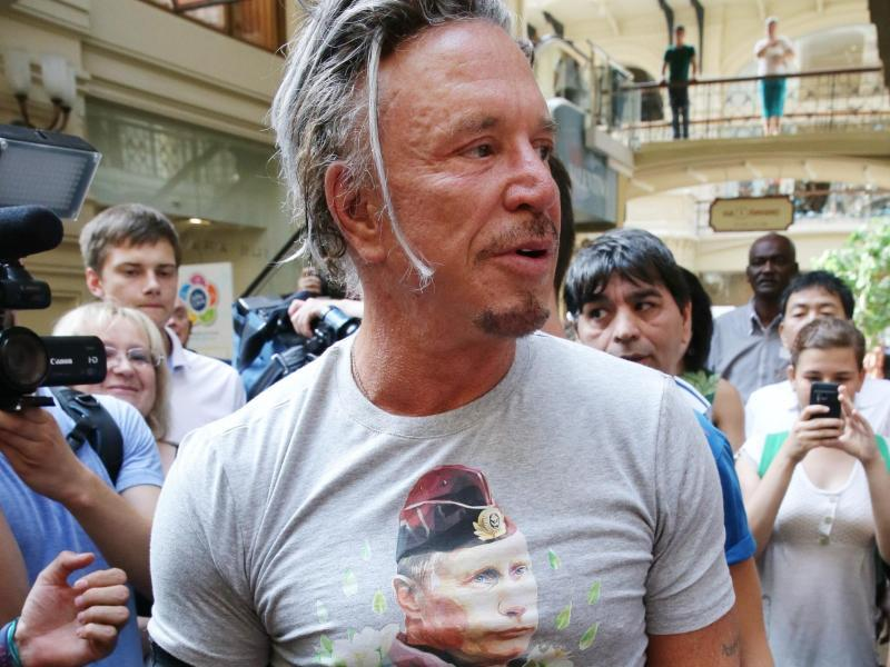 Mickey Rourke will Putin-T-Shirt in den USA tragen