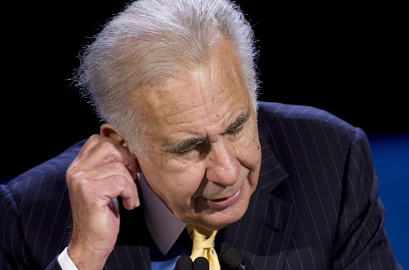 Icahn gives up bid for truck maker Oshkosh