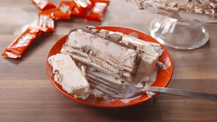 """<p>Slice me off a piece of that Kit Kat Cake.</p><p>Get the recipe from <a href=""""https://www.delish.com/cooking/recipe-ideas/recipes/a47978/kit-kat-ice-cream-cake-recipe/"""" rel=""""nofollow noopener"""" target=""""_blank"""" data-ylk=""""slk:Delish"""" class=""""link rapid-noclick-resp"""">Delish</a>.</p>"""