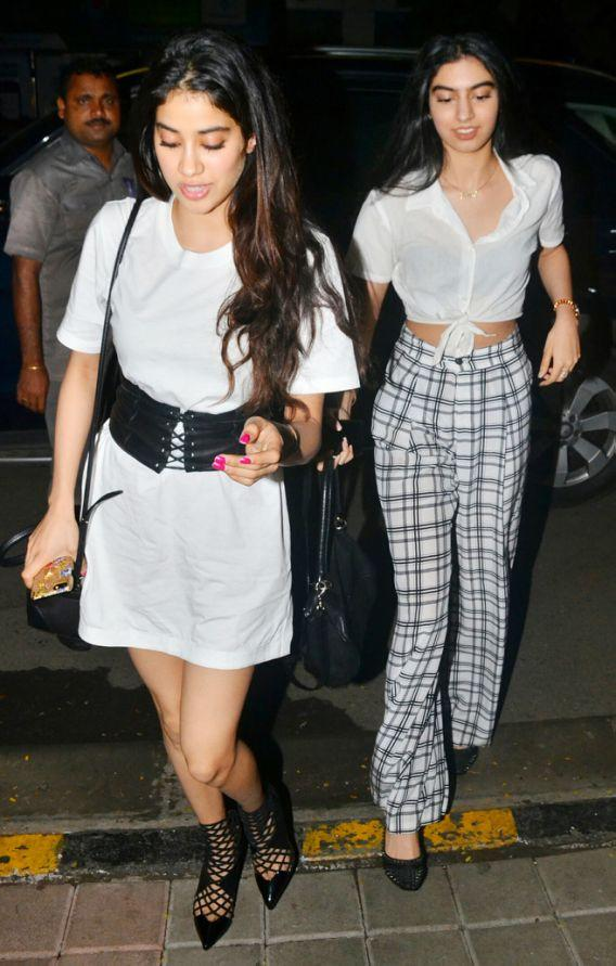 <p>The sisters look casual yet cool while having a girl's night out with mommy dearest. </p>