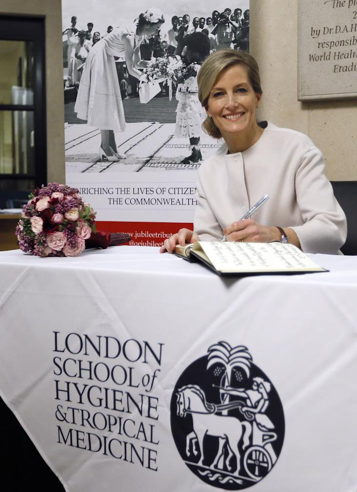 <p>Prince Edward's wife is also a lefty! </p>
