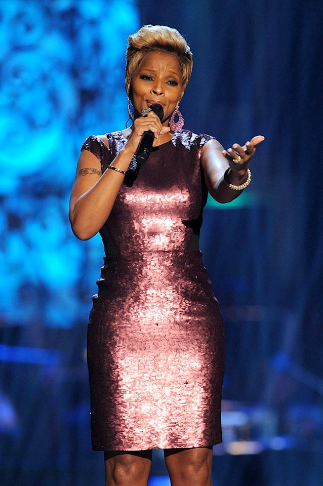 "The Queen of Hip-Hop Soul donned a shimmery sheath while belting out her rendition of ""The Christmas Song."" Theo Wargo/<a href=""http://www.wireimage.com"" target=""new"">WireImage.com</a> - December 13, 2009"