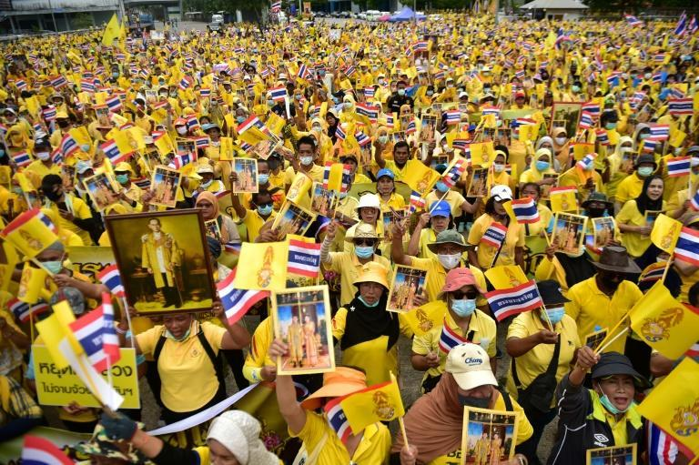 Royalist supporters took part in a rally to show support for the Thai establishment in the southern province of Narathiwat