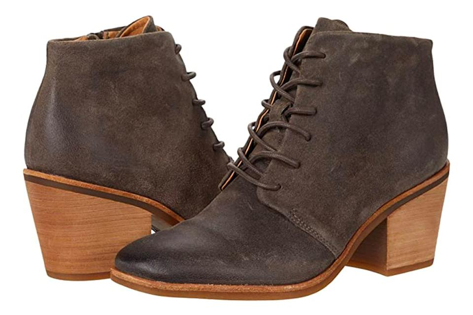 brown boots, lace up, hiking, combat, sofft