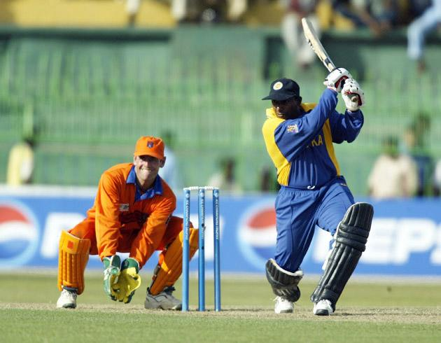 COLOMBO - SEPTEMBER 16:  Aravinda de Silva of Sri Lanka in action during the ICC Champions Trophy match between Sri Lanka and Holland held on September 16, 2002 at the Premadasa Stadium, in Colombo, Sri Lanka. DIGITAL IMAGE. (Photo by Clive Mason/Getty Images)