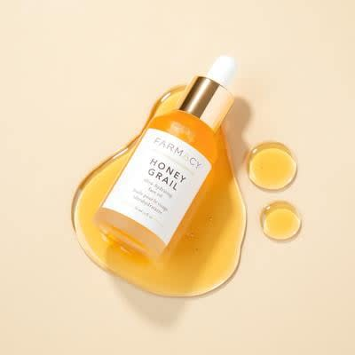 """<p>""""The luxe <a href=""""https://www.popsugar.com/buy/Farmacy-Beauty-Honey-Grail-Face-Oil-483426?p_name=Farmacy%20Beauty%20Honey%20Grail%20Face%20Oil&retailer=farmacybeauty.com&pid=483426&price=48&evar1=bella%3Aus&evar9=46529583&evar98=https%3A%2F%2Fwww.popsugar.com%2Fbeauty%2Fphoto-gallery%2F46529583%2Fimage%2F46531437%2FFarmacy-Beauty-Honey-Grail-Face-Oil&list1=beauty%20products%2Ceditors%20pick%2Cbeauty%20product%20review&prop13=api&pdata=1"""" rel=""""nofollow"""" data-shoppable-link=""""1"""" target=""""_blank"""" class=""""ga-track"""" data-ga-category=""""Related"""" data-ga-label=""""https://www.farmacybeauty.com/products/honey-grail?variant=16412349268002&amp;currency=USD&amp;gclid=EAIaIQobChMIp_G1zriU5AIVSSSGCh24qgzIEAQYAiABEgIN0PD_BwE"""" data-ga-action=""""In-Line Links"""">Farmacy Beauty Honey Grail Face Oil</a> ($48) feels like a mini facial in a bottle. I apply it every night religiously, right before I moisturize, to really lock in hydration and swear by it for waking up with glowing, radiant skin. It smells deliciously like honey, too, which is a major plus. In my eyes, this oil is liquid gold."""" - Jessica Harrington, assistant editor, Makeup.com and Skincare.com</p>"""