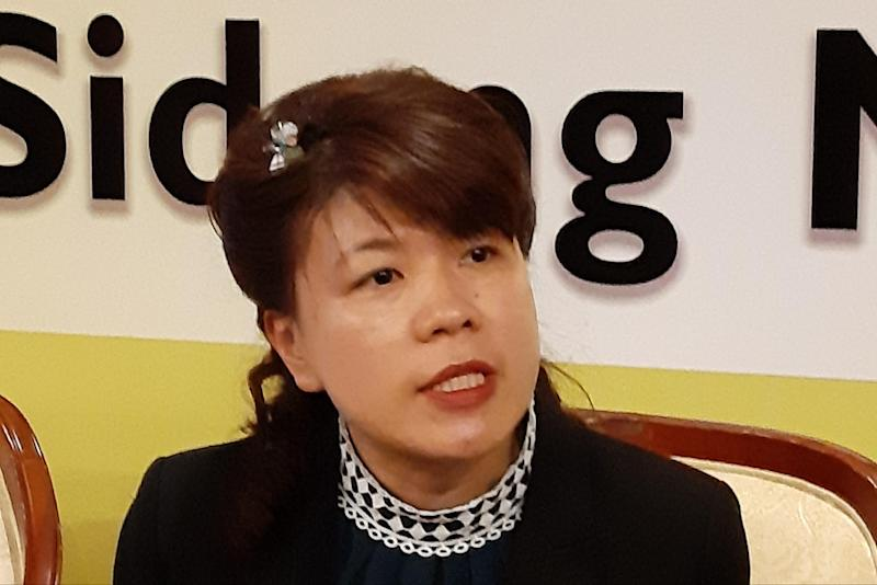 DAP's Pending state lawmaker Violet Yong speaking to reporters, November 12, 2019. — Picture by Sulok Tawie