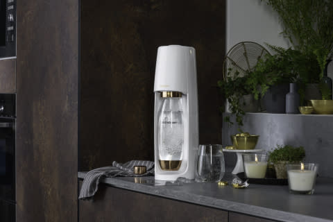 SodaStream Launches Limited Edition Gold and Rose Gold Machines For a Bubbly and Environmentally-Friendly Holiday
