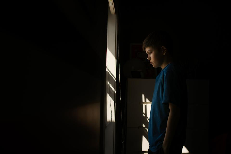 Seasonal depression can manifest in different ways in young people. (Photo: Cavan Images via Getty Images)