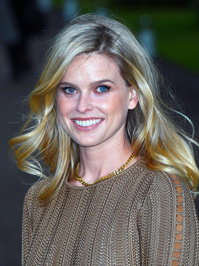 "<p>Alice Eve explained in <a href=""http://teamcoco.com/video/alice-eve-eyes"" rel=""nofollow noopener"" target=""_blank"" data-ylk=""slk:a May 2012 interview"" class=""link rapid-noclick-resp"">a May 2012 interview</a> with Conan O'Brien that having one blue eye and one green helped her sort out her love life. ""One boyfriend who soon wasn't my boyfriend, it took nine months [for him] to notice,"" she said. <i>(Photo: Getty Images) <br></i></p>"