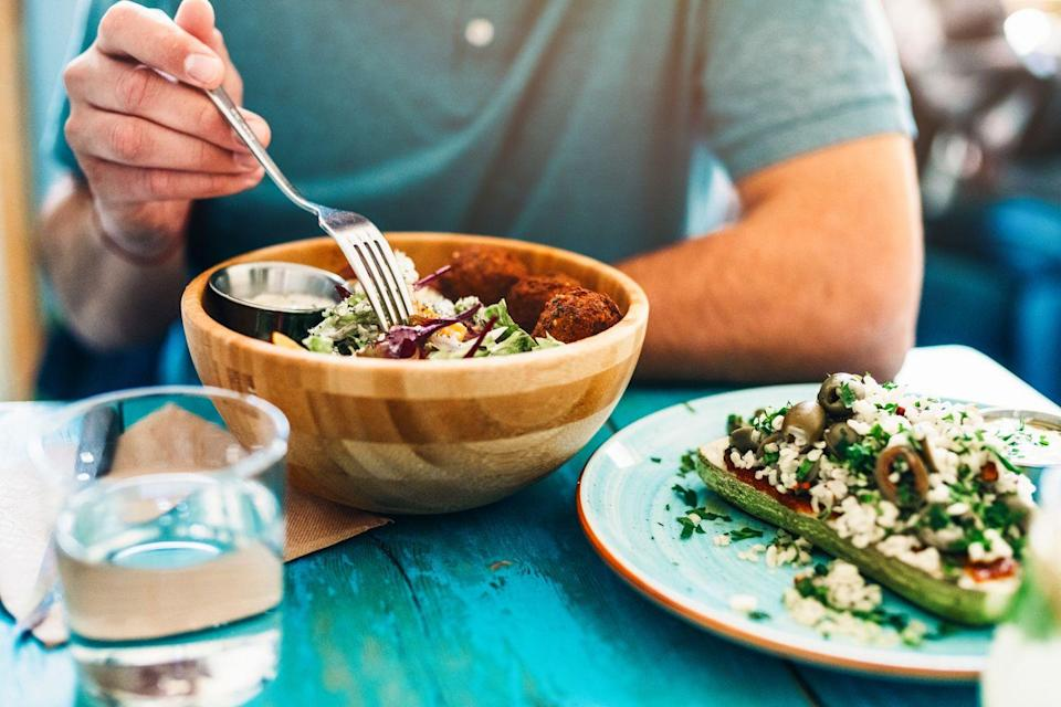 <p>Filling up on veggies instead of an unhealthy side dish or appetizer is the way to go. Order some extra side dishes of vegetables (again, ask for no butter), or just ask the server if they can double or triple your portion (although keep in mind this will likely cost extra). </p>