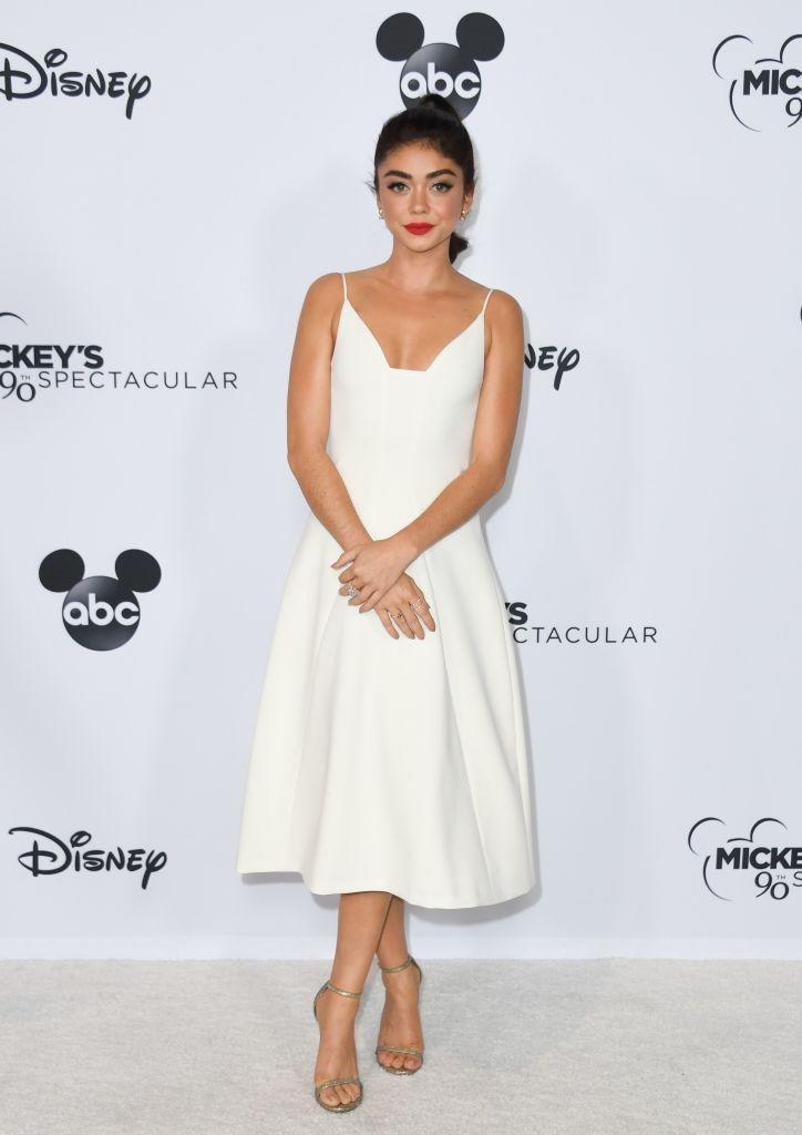 <p>Sarah Hyland channelled Old Hollywood in a Marilyn-worthy dress finished with a lick of red lipstick on October 6. <em>[Photo: Getty]</em> </p>
