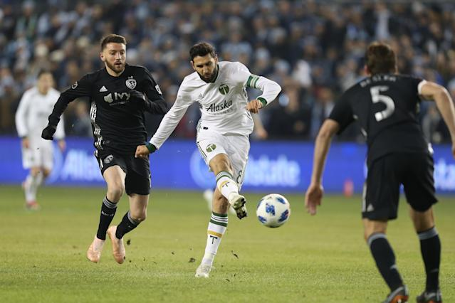 """Timbers maestro <a class=""""link rapid-noclick-resp"""" href=""""/soccer/players/373651/"""" data-ylk=""""slk:Diego Valeri"""">Diego Valeri</a> (8) scored the backbreaker for Portland in Thursday's 3-2 win over <a class=""""link rapid-noclick-resp"""" href=""""/soccer/teams/sporting-kansas-city/"""" data-ylk=""""slk:Sporting Kansas City"""">Sporting Kansas City</a>. (Scott Winters/Getty)"""