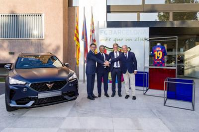 Luca de Meo, SEAT President and Chairman of the Board of CUPRA, and Josep Maria Bartomeu, FC Barcelona President, with Josep Pont, FC Barcelona Board Member responsible for the Commercial Area, and Wayne Griffiths, CUPRA CEO, next to the CUPRA Formentor