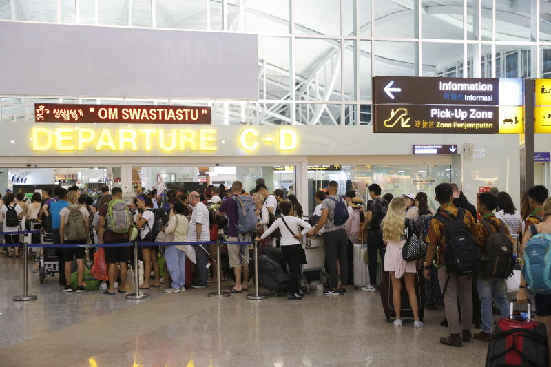 Bali airport reopens after volcanic ash forces closure