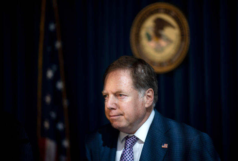 Democrats push for ousted U.S. attorney's testimony