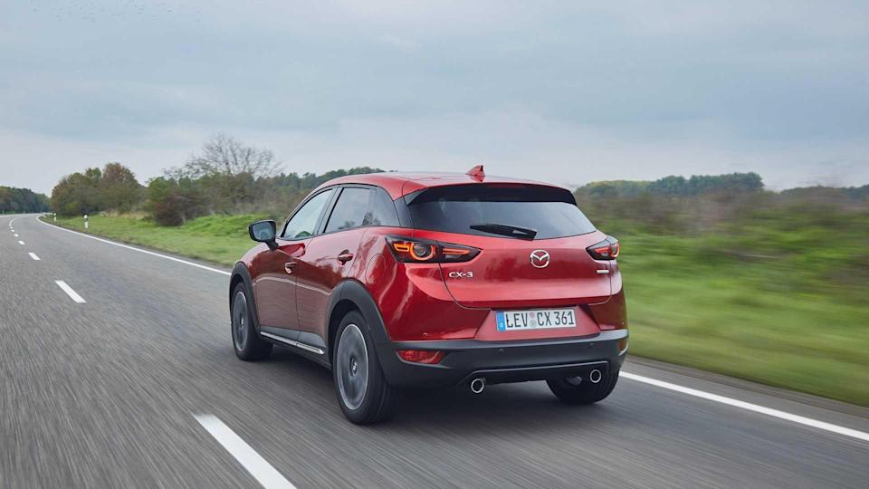 2021-Mazda-CX-3_Soul-Red-Crystal_Action-21