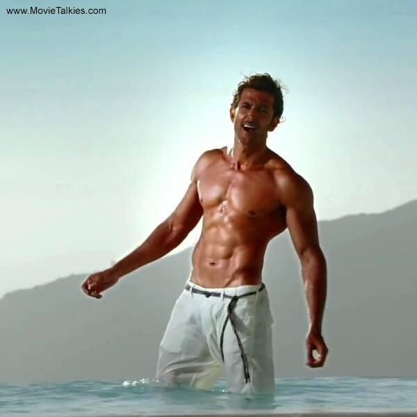 <p>Hrithik's body has always been an eye-candy, but his look in <i>Bang Bang</i> made it all the more difficult for us to take our eyes off him<i>. </i>And mind you that chiselled look did not come easily! The actor had six small meals instead of three square meals, to get that drool-worthy body.</p>