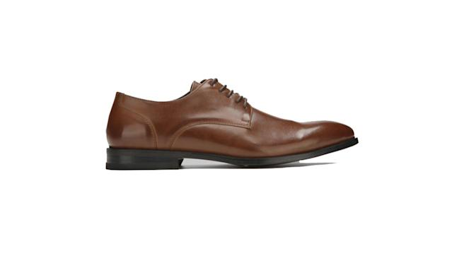 "<p>Lace-up clean oxfords, $34, <a href=""https://www.kennethcole.com/men/shoes/oxfords/lace-up-clean-oxford-JMF7SY009.html?dwvar_JMF7SY009_size=50395&dwvar_JMF7SY009_color=200"" rel=""nofollow noopener"" target=""_blank"" data-ylk=""slk:kennethcole.com"" class=""link rapid-noclick-resp"">kennethcole.com</a> </p>"