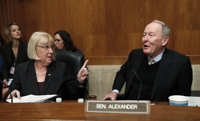 Senate Health, Education, Labor, and Pensions Committee ranking member Sen. Patty Murray, D-Wash., with chairman Sen. Lamar Alexander, R-Tenn., on Nov. 29. (Photo: AP/Carolyn Kaster)
